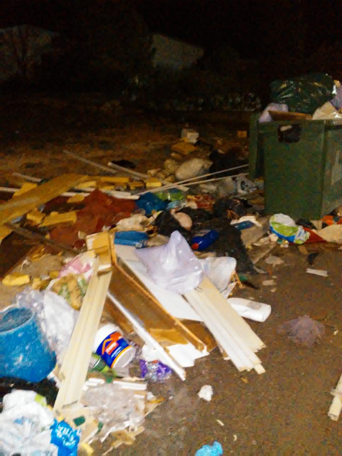 L'Ajuntament torna a demanar el bon ús dels contenidors del punt 24 hores