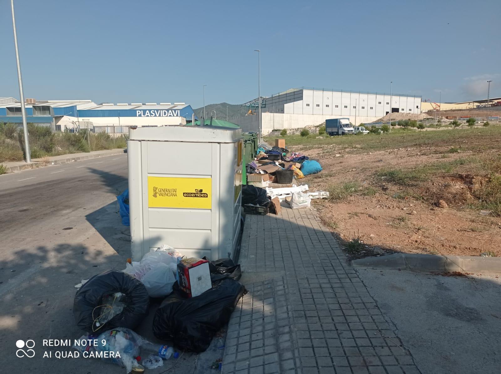 L'Ajuntament reitera el bon ús dels contenidors del punt 24 hores