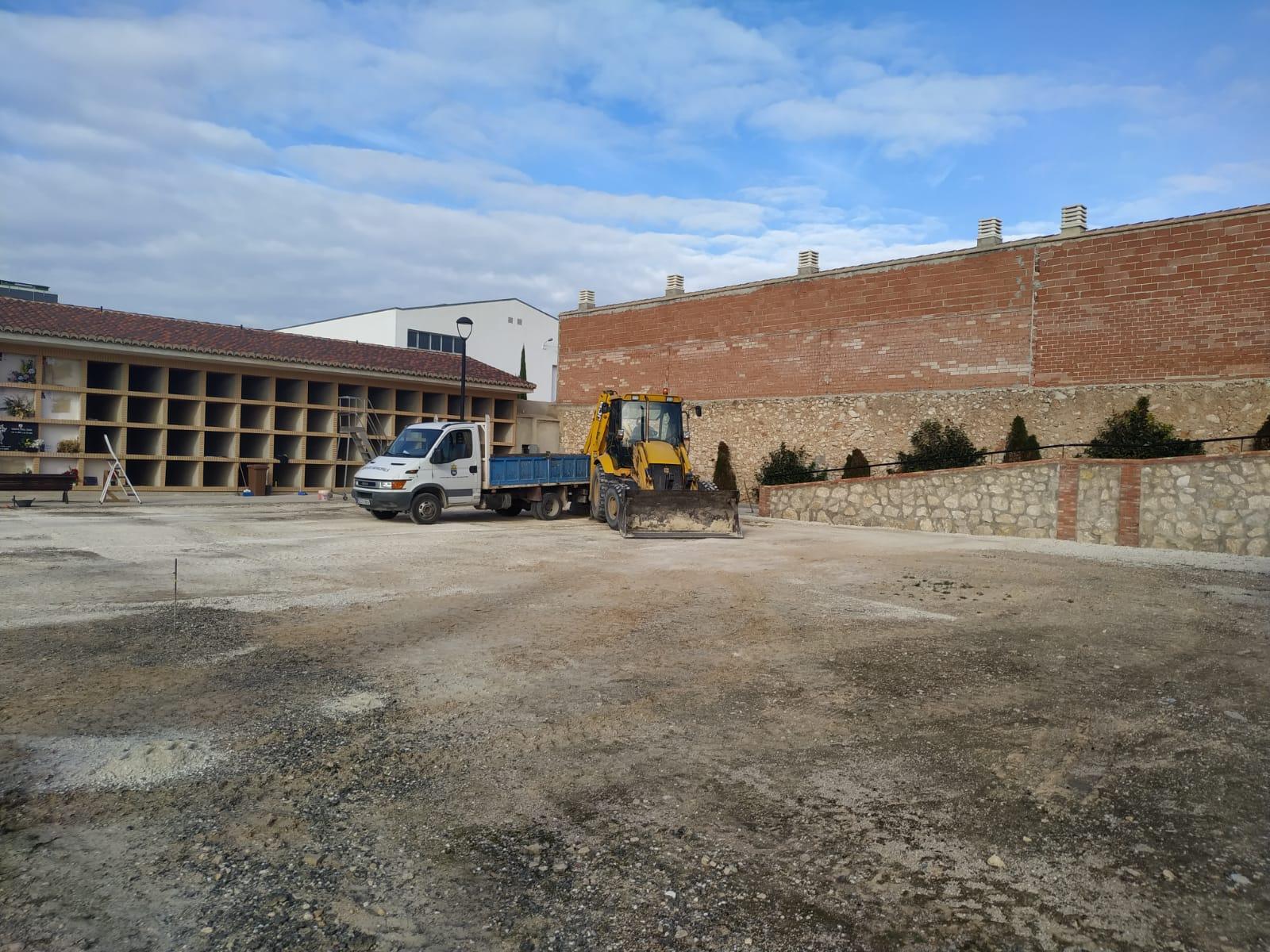S'inicien les obres de construcció de nous nínxols i columbaris al cementeri municipal