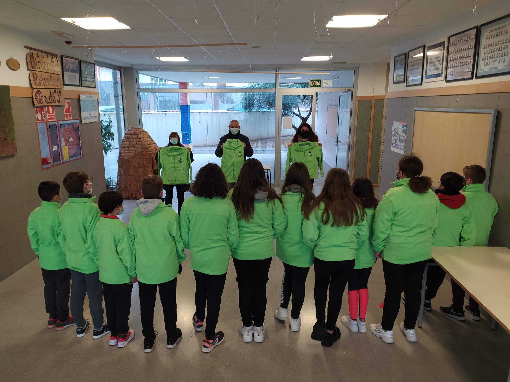 L'Ajuntament d'Aielo de Malferit reparteix els POLARS COVID-19 a les aules d'Infantil i Primària