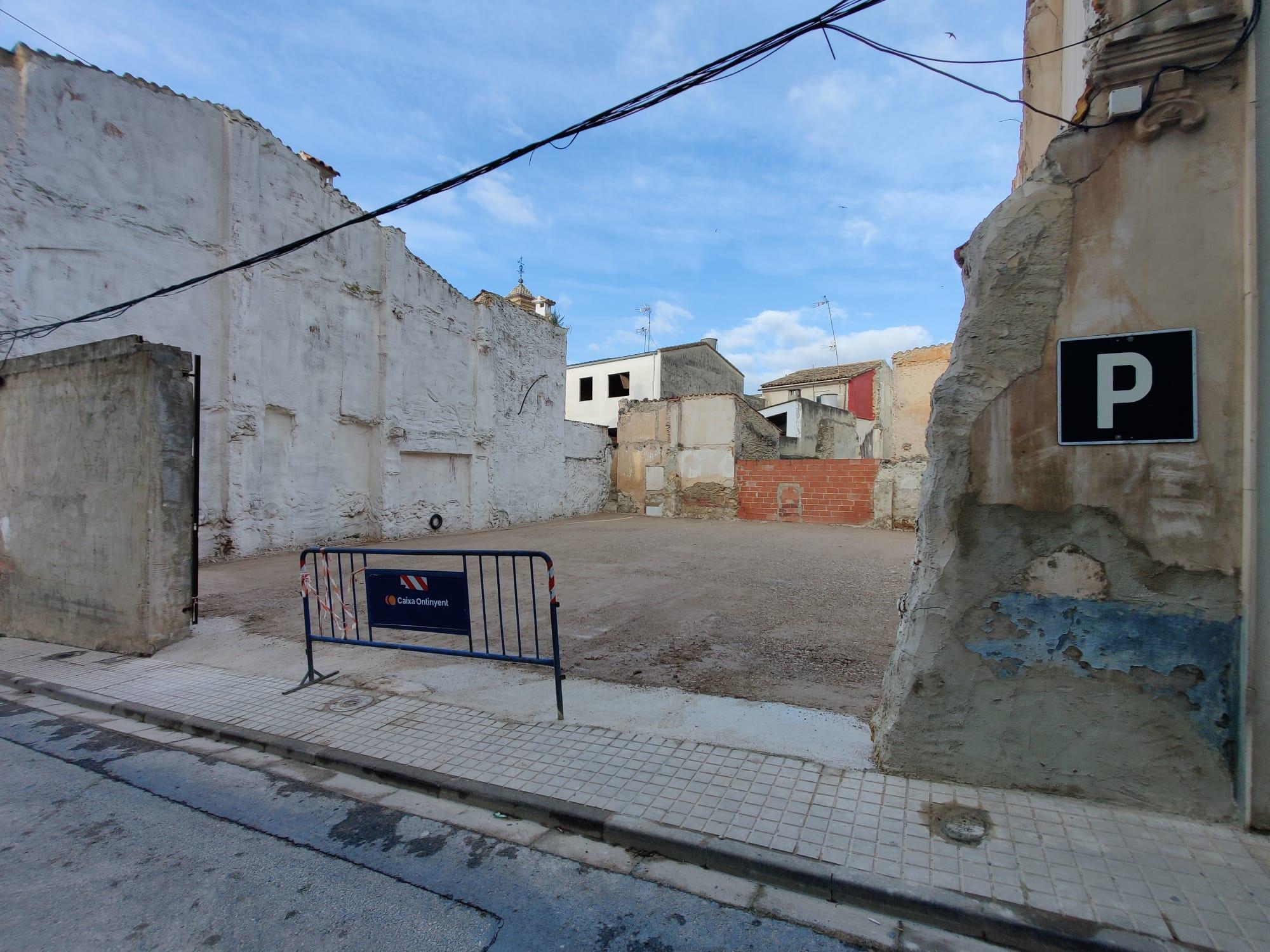 L'Ajuntament d'Aielo de Malferit habilita una zona d'estacionament junt al Carrer Major